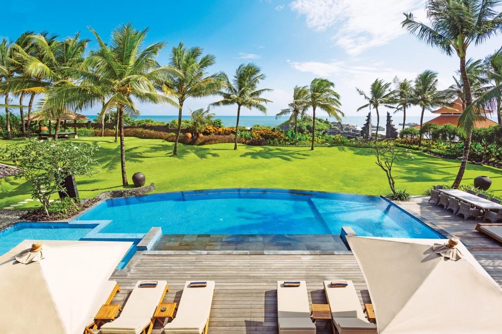 Villa-Semarapura---Pool-and-view-copy
