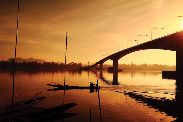 Bridge-over-the-Mekong-River-at-threejpg