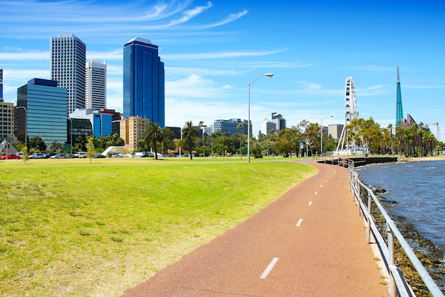 Bicycle-path-in-Perth,-Australia