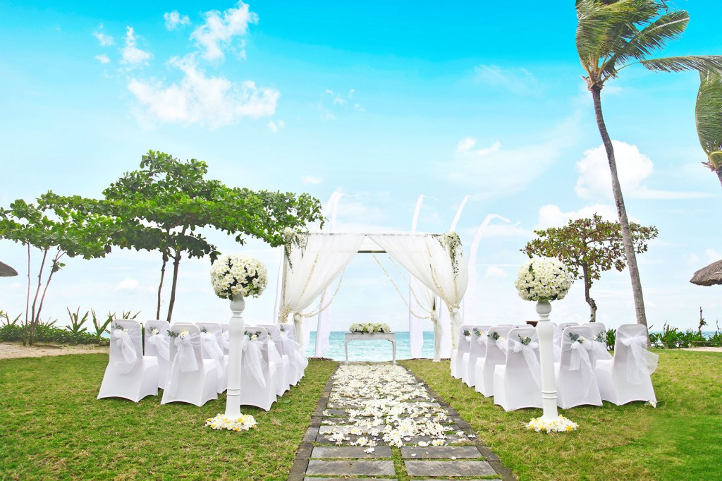 intercon_Sunset-Bay-View-Wedding_glance_tropicallife