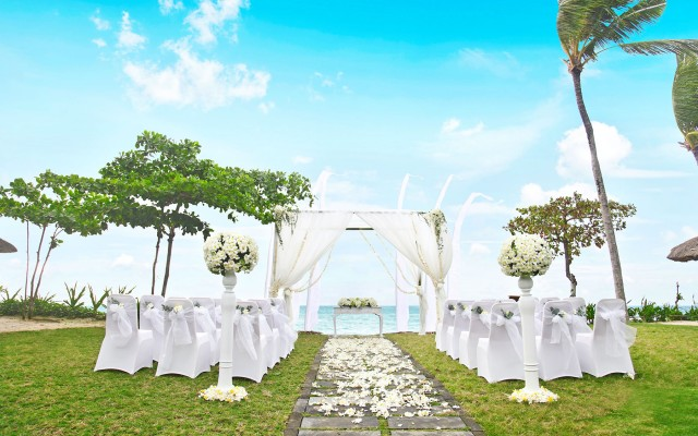 intercon_Sunset-Bay-View-Wedding_glance_tropicallife