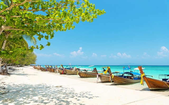 Bamboo-island,-Phi-Phi,-Thailand_journey_tropicallife