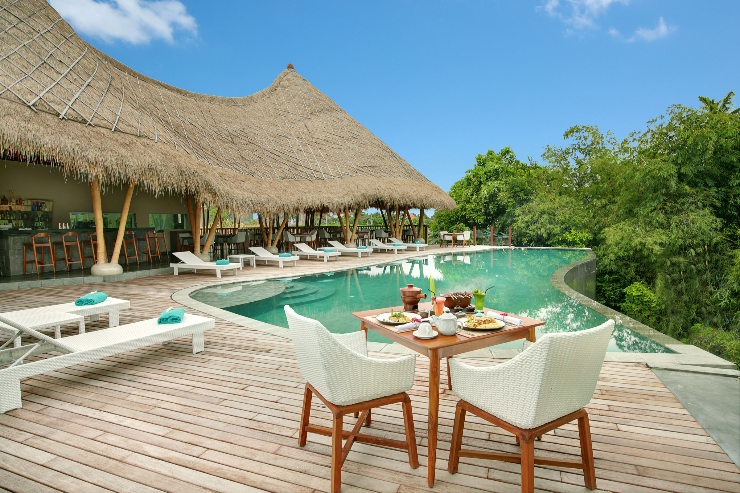 loop-poolbar_IMG_5622_tropicallife