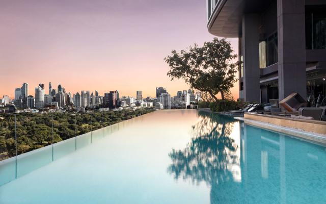 SO-Sofitel-Bangkok---Infinity-Pool-01-nextstay