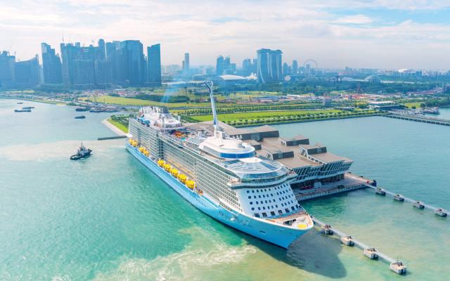 Ovation-of-the-Seas-at-Marina-Bay-Cruise-Centre-Singapore_tropicallife