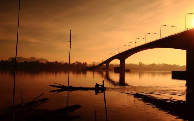 Bridge-over-the-Mekong-River-at-three-Thailand-Laos__5best_tropicallife