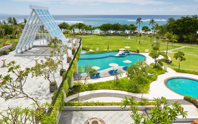 Inaya_garden_and_pool_view__nextstay_tropicallife